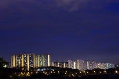 Scena di notte della costruzione di alloggiamento Immagini Stock