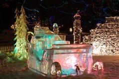 Scena di notte della scultura di ghiaccio immagine stock