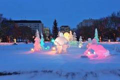 Scena di notte della scultura di ghiaccio Fotografia Stock Libera da Diritti