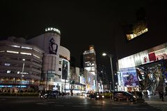 Scena di notte della via a Tokyo Fotografia Stock Libera da Diritti