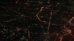 Scena di notte di Bangkok osservata dall'aereo stock footage