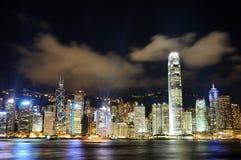 Scena di notte di paesaggio urbano di Hong Kong Fotografia Stock