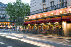 Scena di notte di Parigi Francia dei bistrot Fotografia Stock Libera da Diritti