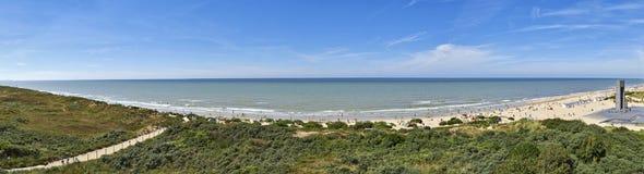 Scena di panorama della spiaggia di estate Immagini Stock Libere da Diritti