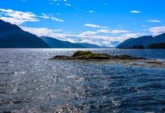 Scena di Serene Scandinavian Fjord Immagini Stock Libere da Diritti