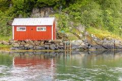 Scena di Serene Scandinavian Fjord Village Fotografie Stock