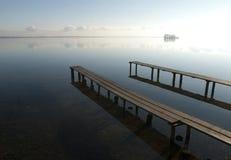 Scena di Tranquille in un lago Fotografie Stock Libere da Diritti