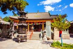 Scena di Wutaishan (supporto Wutai). Mahavira Hall (Corridoio di cerimonia) del tempio di Luohou. Immagine Stock