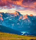 Scena drammatica di estate nel parco nazionale Tre Cime De Lavaredo Fotografie Stock Libere da Diritti
