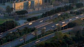 Scena e strada di traffico al tramonto Esposizione lunga Lasso di tempo stock footage