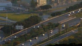 Scena e strada di traffico al tramonto Lasso di tempo stock footage