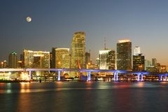 Scena famosa di notte - Miami del centro Florida Fotografia Stock Libera da Diritti