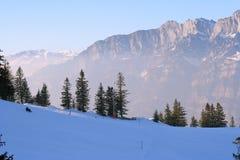 Scena idillica di inverno in alpi svizzere Fotografie Stock