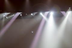 Scena, luce della fase con i riflettori colorati Fotografia Stock Libera da Diritti