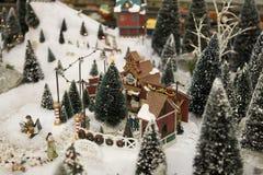 Scena miniatura dell'albero di Natale Fotografia Stock