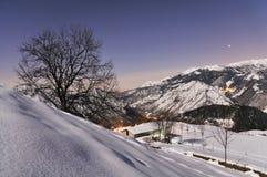Scena Moonlit della montagna Fotografie Stock
