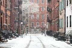 Scena nel Greenwich Village, New York di inverno di Snowy fotografie stock libere da diritti