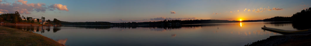 Scena panoramica del lago Fotografie Stock Libere da Diritti