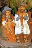 Scena peruviana di natività con la famiglia e Jesus santi Immagini Stock Libere da Diritti