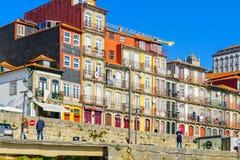 Scena Ribeira brzeg rzeki w Porto, Zdjęcia Royalty Free