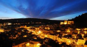 Scena siciliana di notte del villaggio Fotografia Stock