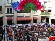 Scena tana występ Uczęszcza widowni w Newport centrum handlowym Zdjęcie Royalty Free