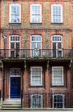 Scena tipica della via nel distretto centrale di Londra con il familia Immagine Stock