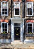 Scena tipica della via nel distretto centrale di Londra con il familia Fotografie Stock