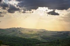 Scenary在托斯卡纳乡下 Tipico paesaggio toscano 免版税库存图片