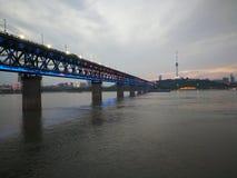 Scene di notte del changjiang del fiume Chang Jiang Fotografia Stock