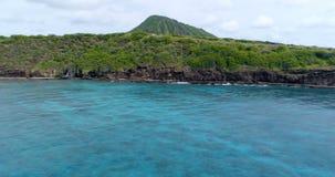 Sceneria góry w morzu 4k zdjęcie wideo