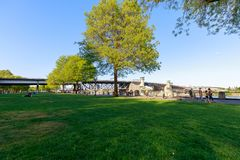Sceneria Tom McCall nabrzeża park w w centrum Portland Zdjęcia Stock