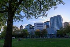 Sceneria Tom McCall nabrzeża park w w centrum Portland Obrazy Stock