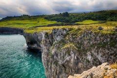 sceneria z oceanu brzeg w Asturias, Hiszpania Zdjęcie Stock