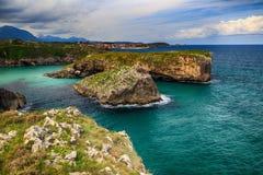 sceneria z oceanu brzeg w Asturias, Hiszpania Obrazy Stock