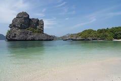 Sceneria z tropikalnym morzem i wyspami Obraz Royalty Free