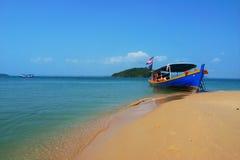 Free Scenery Of Beach Royalty Free Stock Image - 9990186