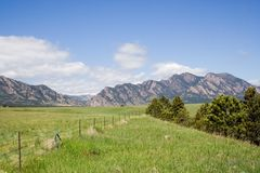 Scenic Colorado. A landscape view of fields leading up to the Rocky Mountains, just south of Boulder, Colorado Stock Photos