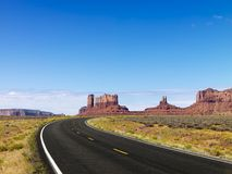 Scenic desert highway. Royalty Free Stock Photos
