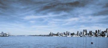 Scenic new york city skyline over hudson river Royalty Free Stock Photography
