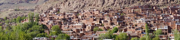 Scenic panorama view of Abyaneh – the beautiful ancient red village of Iran. Abyaneh is one of the oldest villages in Iran. It is known to have existed 2 Stock Photo