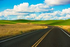 Free Scenic Road Drive Royalty Free Stock Photography - 53598527