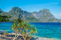 Scenic sea shore with mountains Royalty Free Stock Images