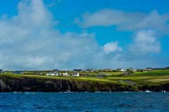 Scenic Settlement at Coast of Ireland Royalty Free Stock Images