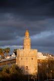 torre在日落的del Oro在塞维利亚 免版税图库摄影