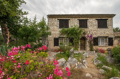 Scenic traditional stone house in Provence Royalty Free Stock Photos