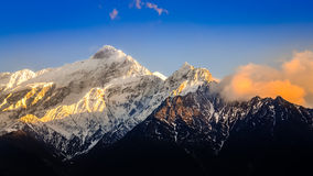 Scenic view of Himalayas mountains at sunset Royalty Free Stock Images
