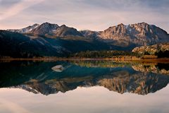 Scenic view of a Mountain and Lake with Reflection Royalty Free Stock Images