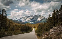 Scenic Icefields Pkwy traveling through Banff and Jasper National Park Stock Photo