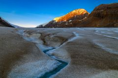 Scenic view of the sunrise over the Athabasca Glacier in the Jas Royalty Free Stock Photos
